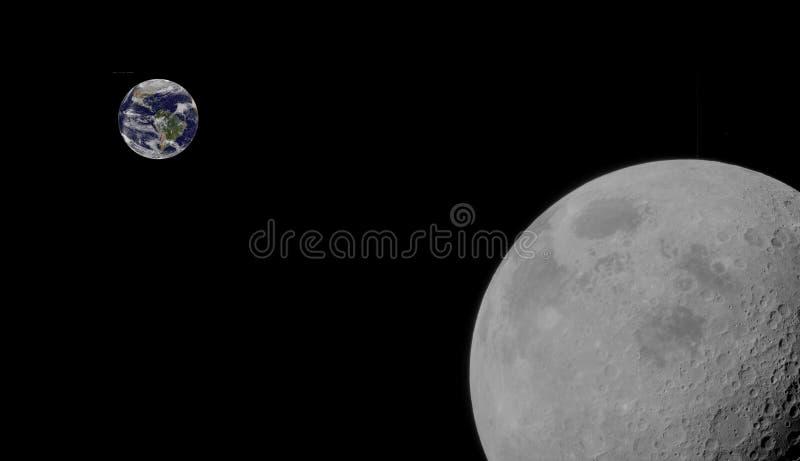 El estarse en órbita de la luna y de tierra fotografía de archivo libre de regalías