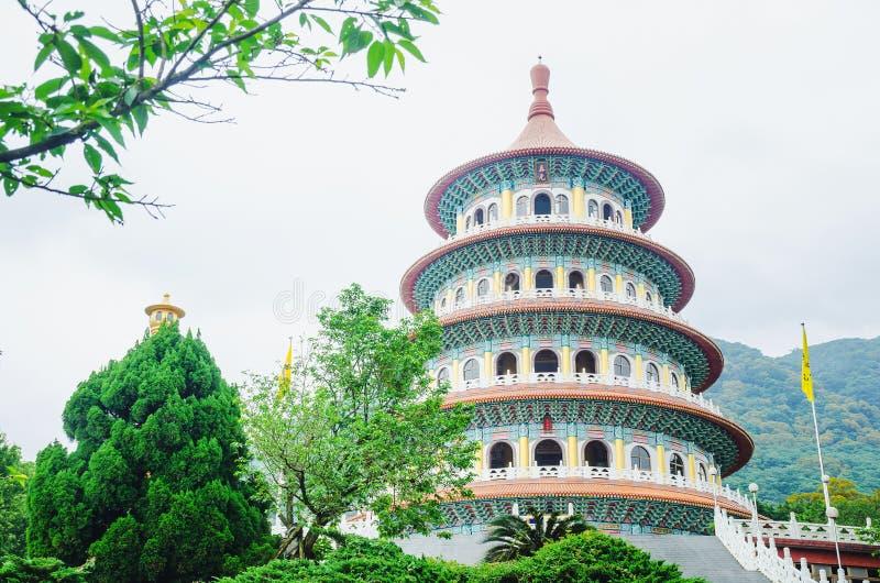 El estilo chino tradicional de la elegancia es templo Tien-Yuan Temple de Wuji Tianyuan en la nueva ciudad de Taipei, Taiwán foto de archivo libre de regalías