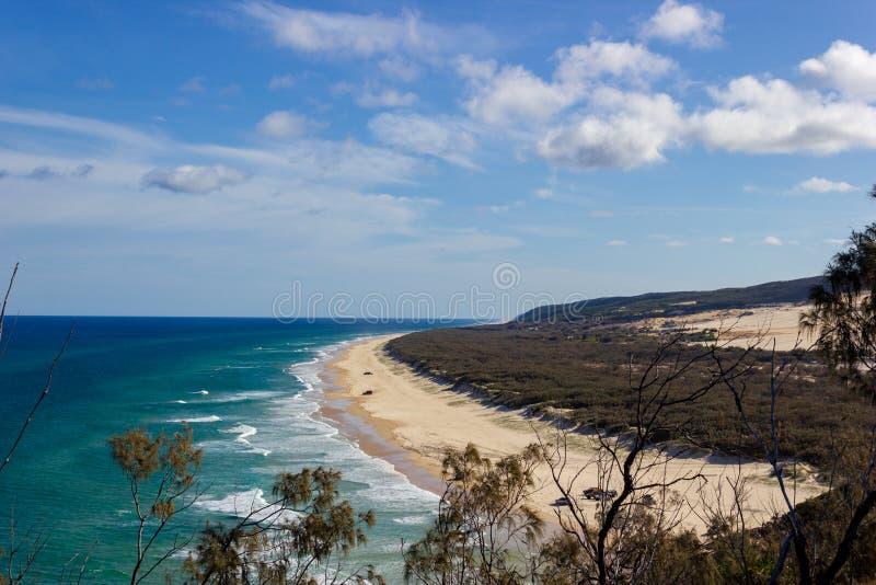 El estiramiento increíble de Fraser Island y de x27; playa arenosa de s, puesto de observación principal indio, Fraser Island Que foto de archivo libre de regalías