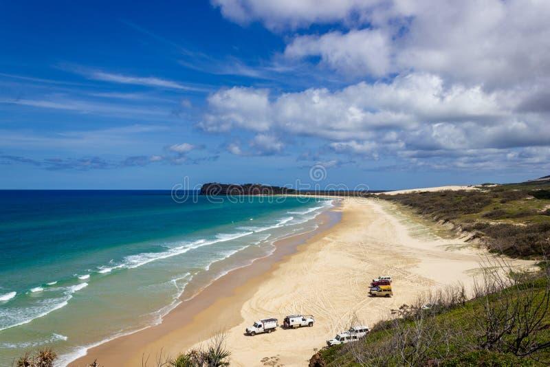 El estiramiento incre?ble de Fraser Island y de x27; playa arenosa de s, puesto de observaci?n principal indio, Fraser Island Que imágenes de archivo libres de regalías