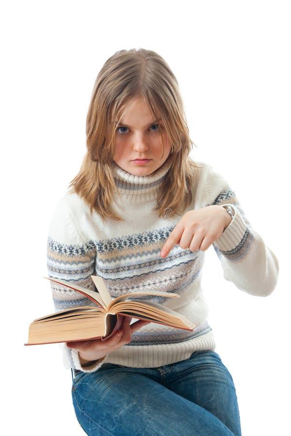 El estudiante joven con los libros imagenes de archivo