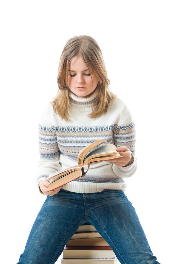 El estudiante joven con los libros fotografía de archivo libre de regalías