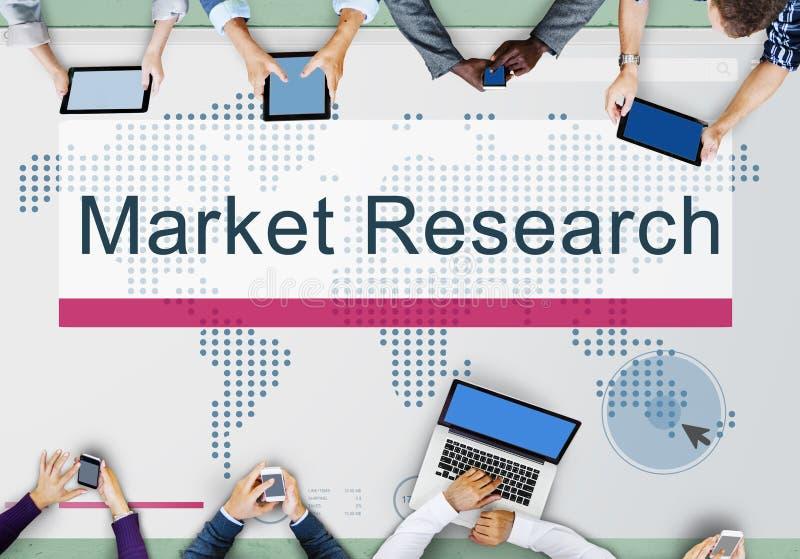 El estudio de mercados analiza concepto de la reacción del consumidor fotografía de archivo libre de regalías