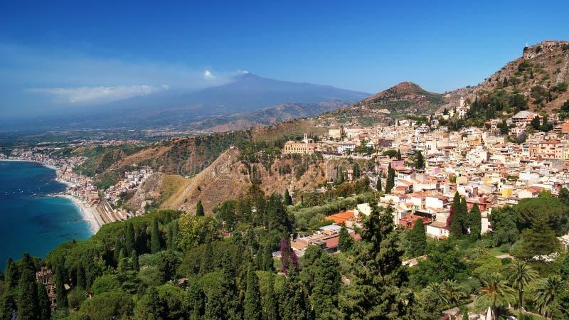 El Etna y Taormina fotografía de archivo libre de regalías