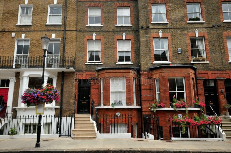 El exclusivo distrito de Chelsea en Londres, Inglaterra foto de archivo