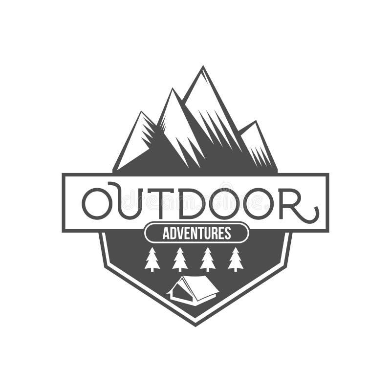 El explorador de la montaña del vintage etiqueta la insignia o el logotipo libre illustration