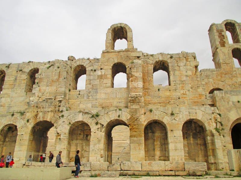 El exterior de Odeon de Herodes Atticus Theater, acrópolis de Atenas, Grecia foto de archivo