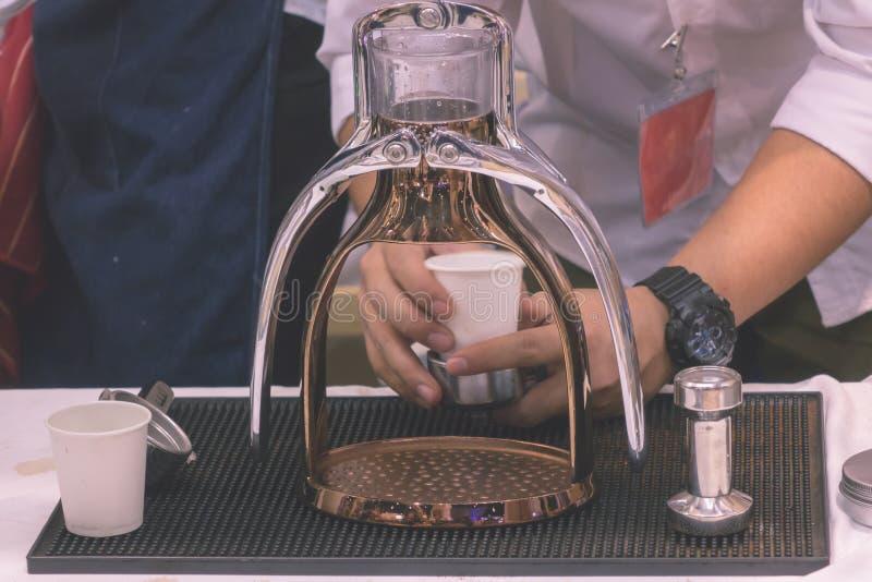 El fabricante de café no es moderno foto de archivo libre de regalías