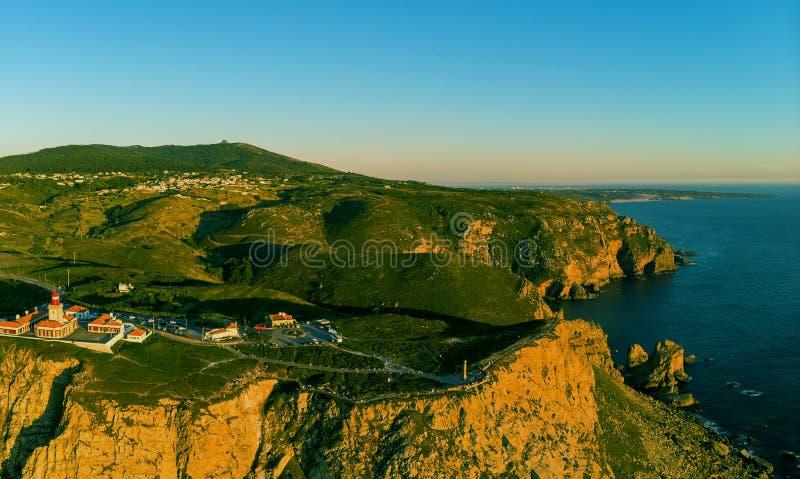 el faro de cabo de sao vicente o cabo st vincent en la costa costa algarvian, Sagres, Algarve, Portugal imagen de archivo
