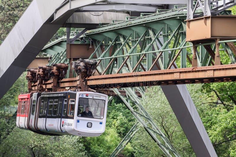 El ferrocarril de la suspensión de Wuppertal, Alemania fotos de archivo