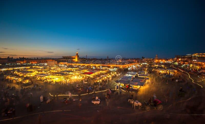 EL-Fnaa di Jemaa, quadrato e di mercato a Marrakesh, Marocco immagini stock libere da diritti