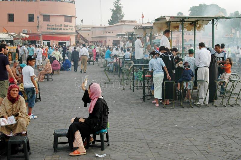 EL-Fnaa Medina de Jemaa de C4marraquexe, Marrocos imagens de stock