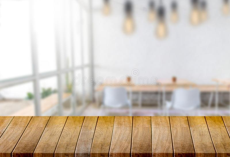 El fondo borroso ventana vacía de la tabla del tablero de madera puede ser utilizado fotografía de archivo