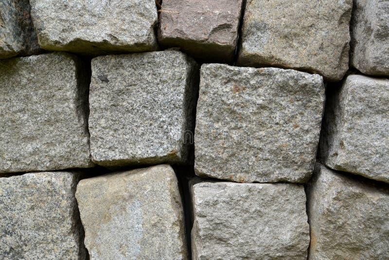 Download El Fondo De Los Bloques De La Piedra Del Granito Añadió En Una Pila Foto de archivo - Imagen de cubierta, camino: 64212808