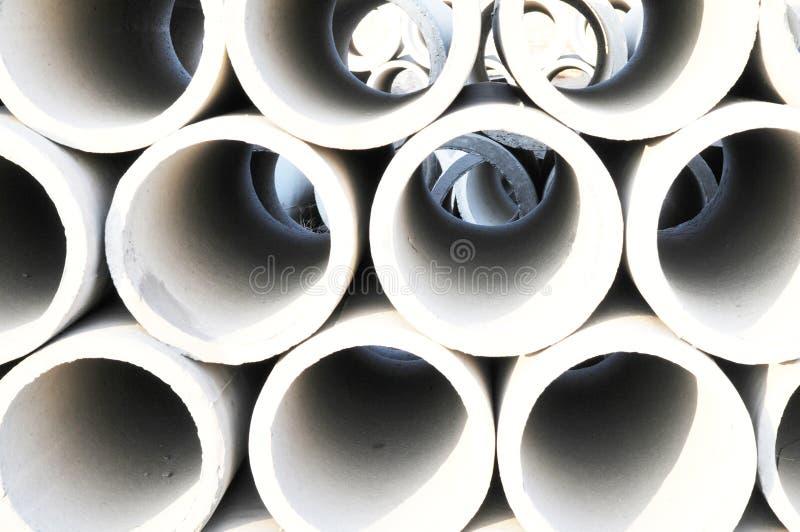 El fondo de los tubos concretos fotos de archivo libres de regalías