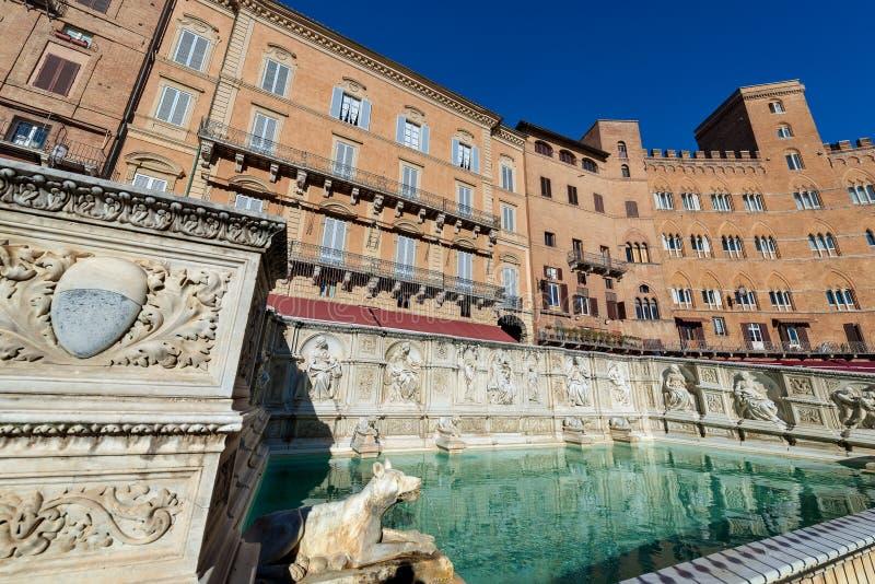 El Fonte Gaia - Siena Toscana Italy imagenes de archivo