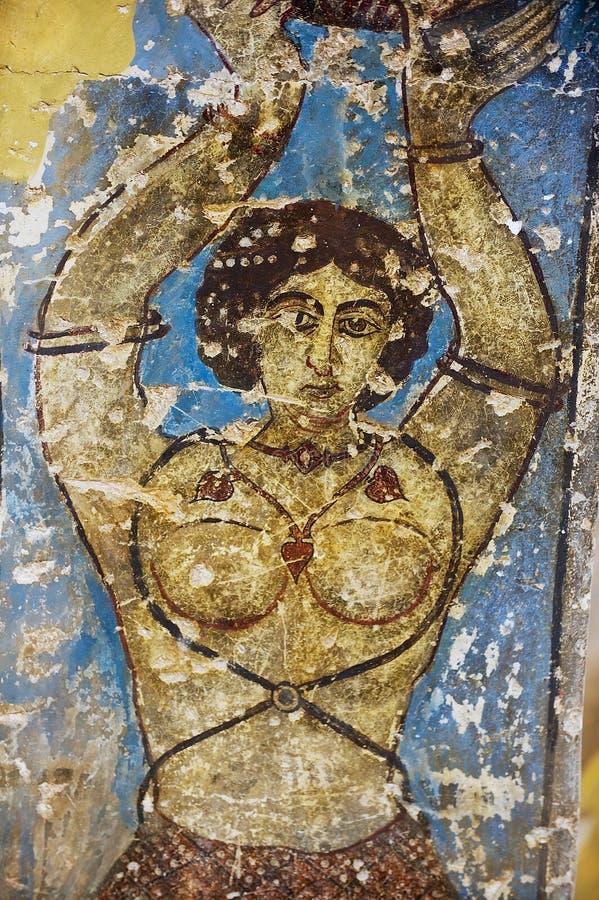 El fragmento de la decoración del mural y del techo en un Umayyad antiguo abandona el castillo de Qasr Amra en Zarqa, Jordania imagenes de archivo