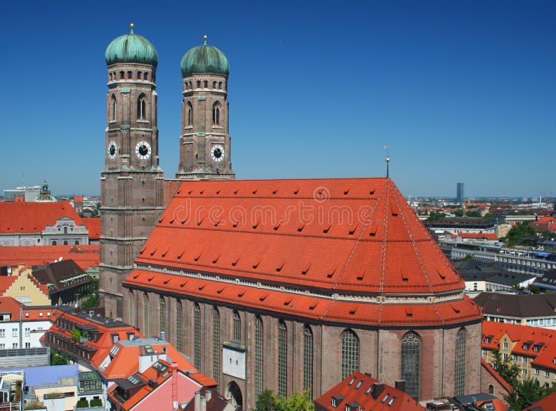 El Frauenkirche en Munich imagenes de archivo