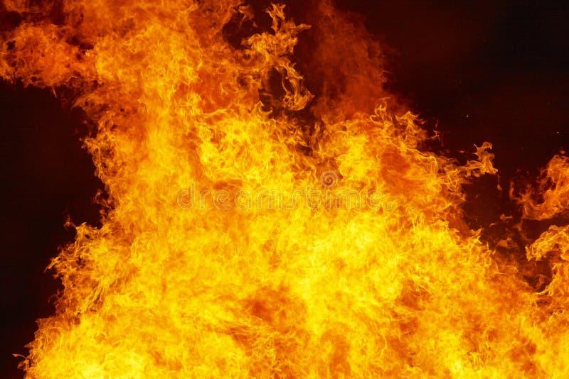 El fuego flamea el detalle Emergencia del bombero Emisi?n de carbono fotografía de archivo