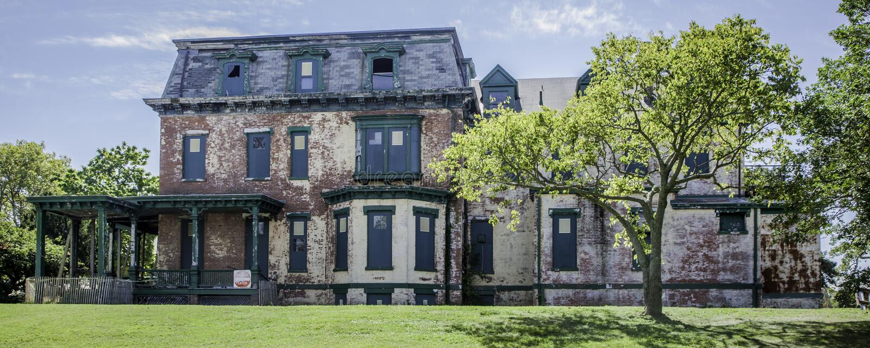 El fuerte Hancock dilapidó panorama del edificio foto de archivo