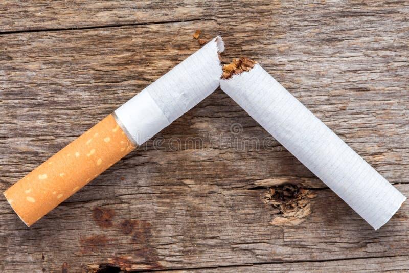 El fumar salido hoy fotos de archivo libres de regalías