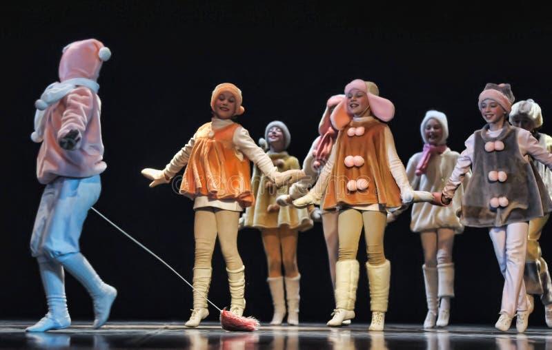 El funcionamiento de teatro de los niños en etapa imagen de archivo