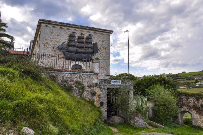 El Galeon的香客的旅舍在圣比森特德拉瓦尔克拉, 图库摄影