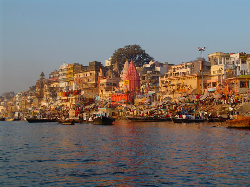 El Ganges en Varanasi imagen de archivo