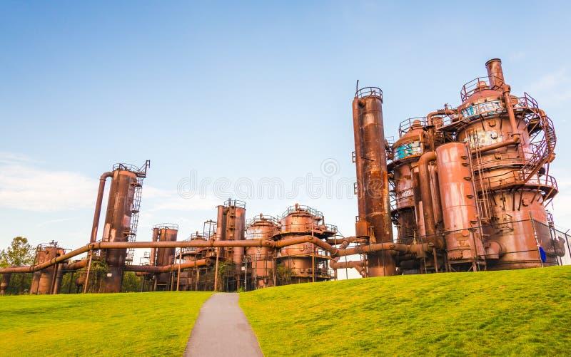 El gas casi trabaja el parque en puesta del sol del día soleado, Seattle, Washington, los E.E.U.U. imagenes de archivo