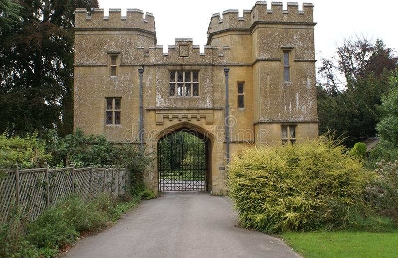El Gatehouse del castillo de Sudeley, Winchcombe, Inglaterra fotografía de archivo