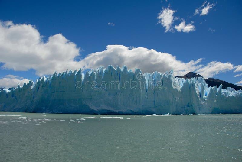 El glaciar en Patagonia, la Argentina de Perito Moreno. fotografía de archivo