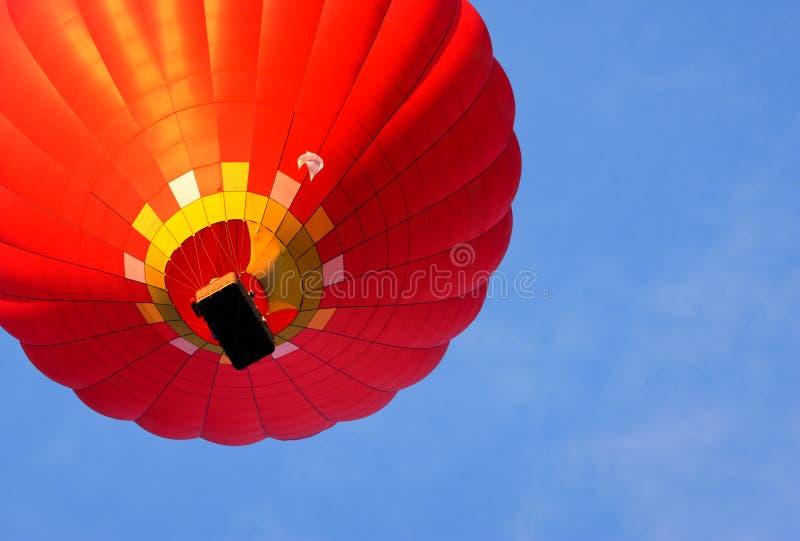 El globo del aire caliente photgrphed en el Bealton, demostración de aire del circo del vuelo del VA Visión inferior fotos de archivo libres de regalías
