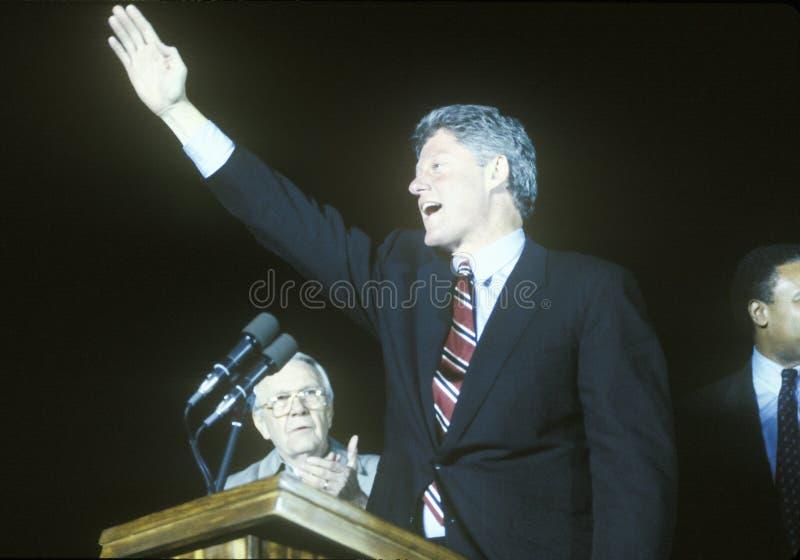 El gobernador Bill Clinton habla en una reunión de la campaña de Kentucky en 1992 en su día final de hacer campaña en Paducah, Ke fotos de archivo libres de regalías