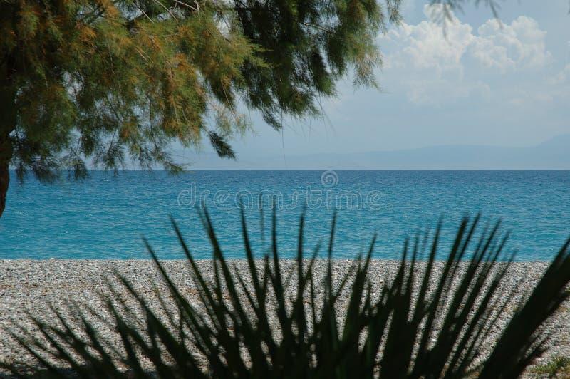 El golfo de Corinto en Kiato, Grecia foto de archivo