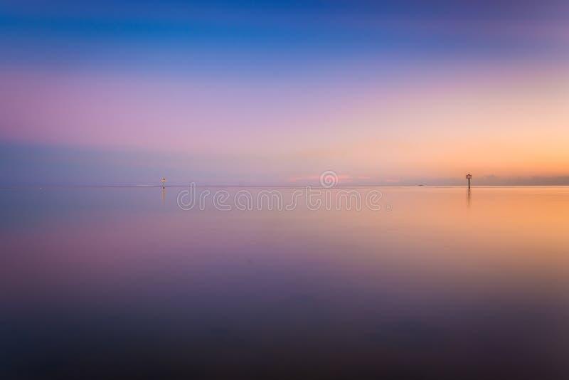El Golfo de México en la puesta del sol, vista de la playa de Smathers, Key West imagen de archivo libre de regalías