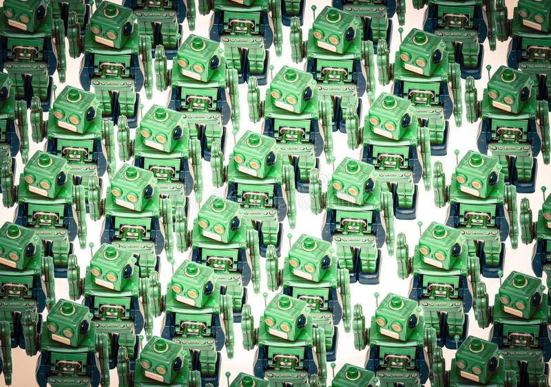 El gongo del concepto con cantado con el robot retro juega imagenes de archivo