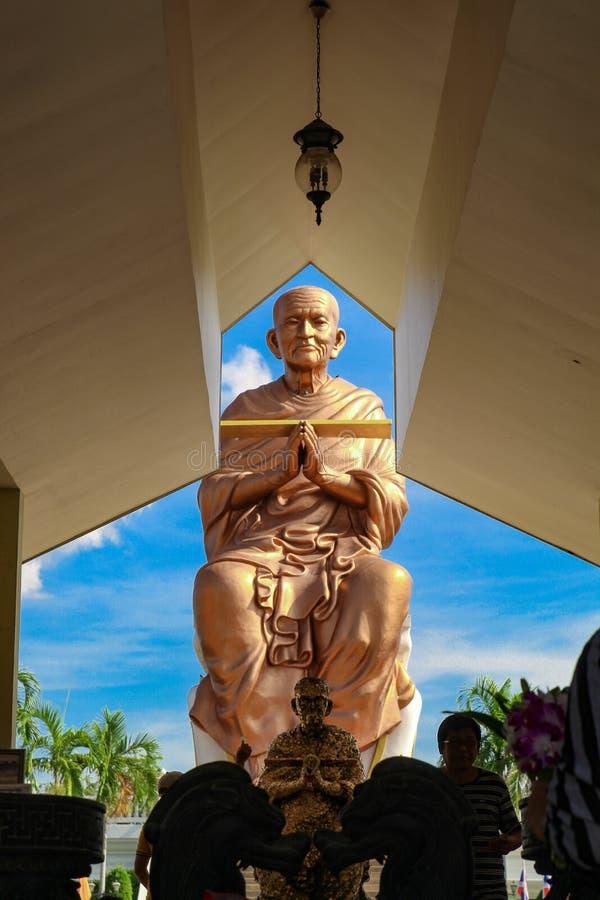 El gran Buda a través del ático imágenes de archivo libres de regalías
