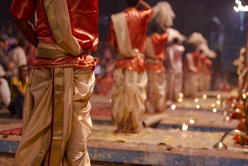 El gran ritual 2016 de la India Varanasi del puja foto de archivo