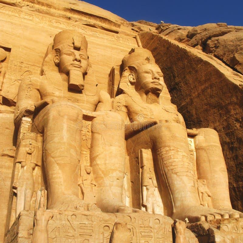 El gran templo en Abu Simbel, Egipto fotografía de archivo