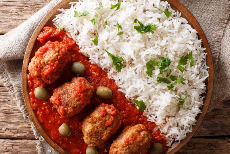El Griego tradicional de la receta de Soutzoukakia coció las albóndigas en tomate imagen de archivo libre de regalías
