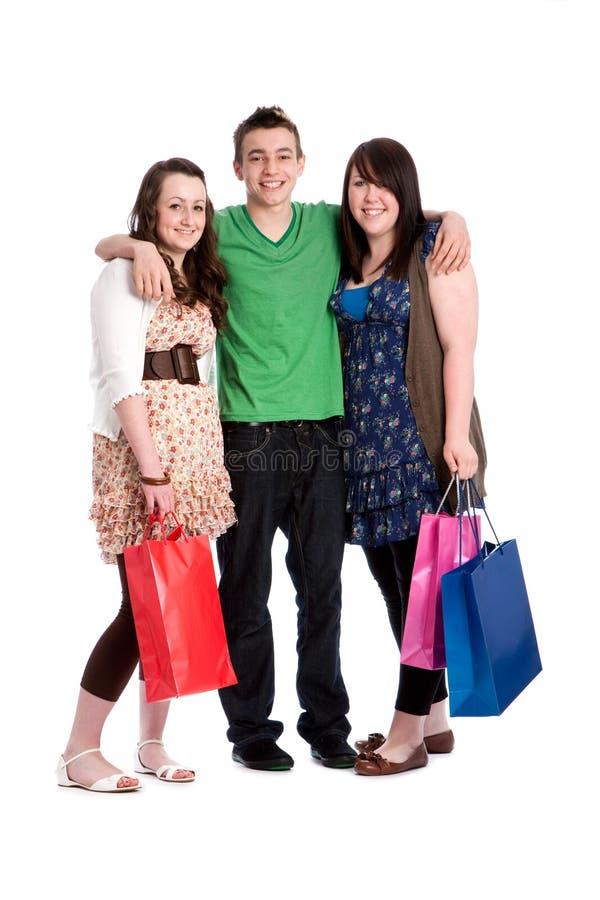 El hacer compras con los amigos fotos de archivo libres de regalías