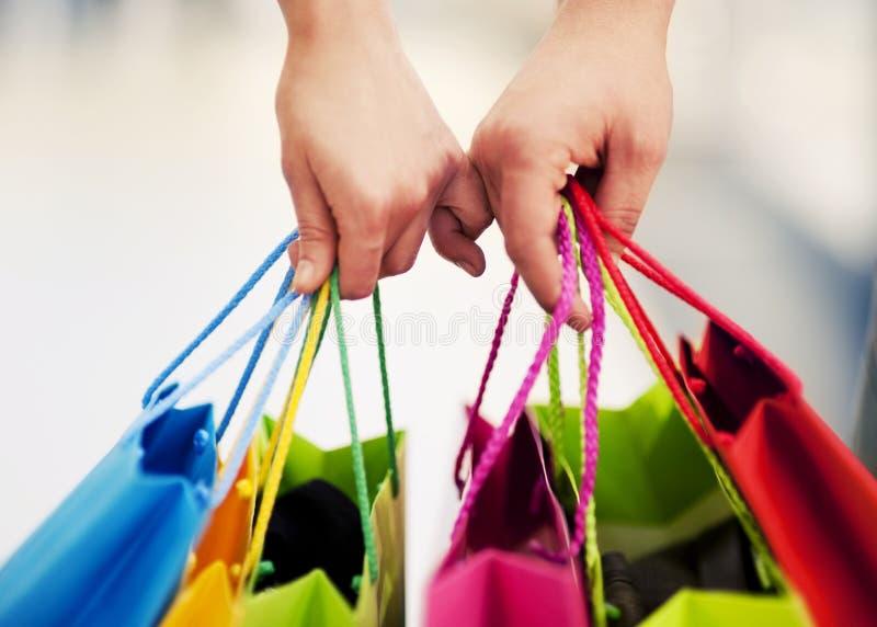 El hacer compras junto fotografía de archivo libre de regalías
