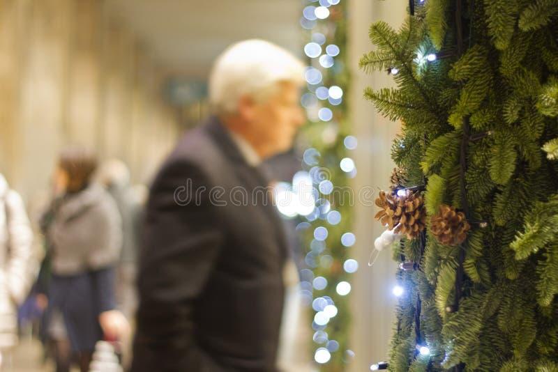 El hacer compras para la Navidad fotos de archivo libres de regalías