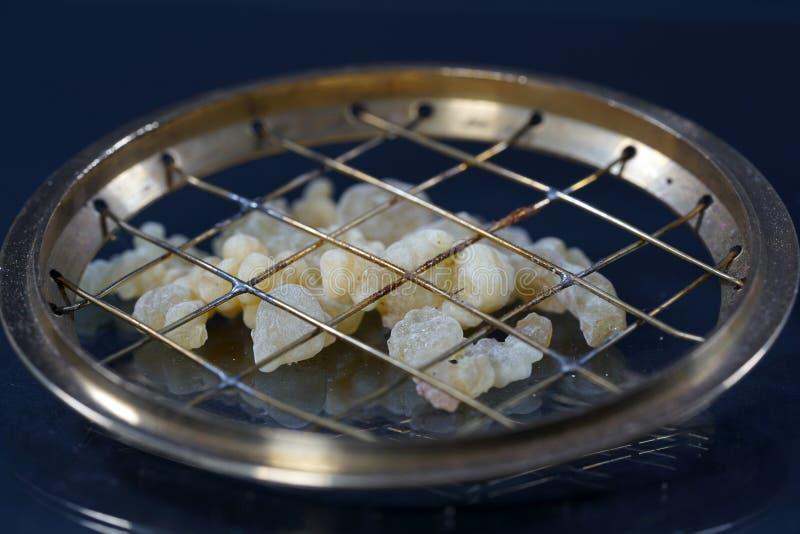 El harz fragante se ofrece generalmente en su forma de la resina imagenes de archivo