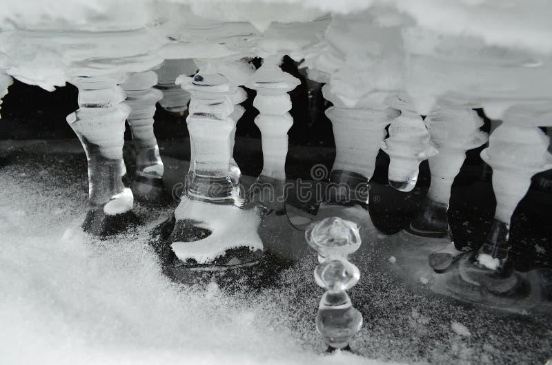 El hielo - agua en el de estado sólido imágenes de archivo libres de regalías