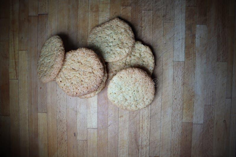 El hogar delicioso hizo las galletas de la avena imagen de archivo