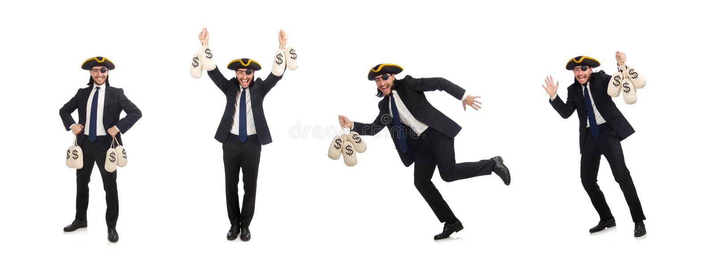 El hombre de negocios del pirata que sostiene bolsos del dinero aislados en blanco fotos de archivo libres de regalías
