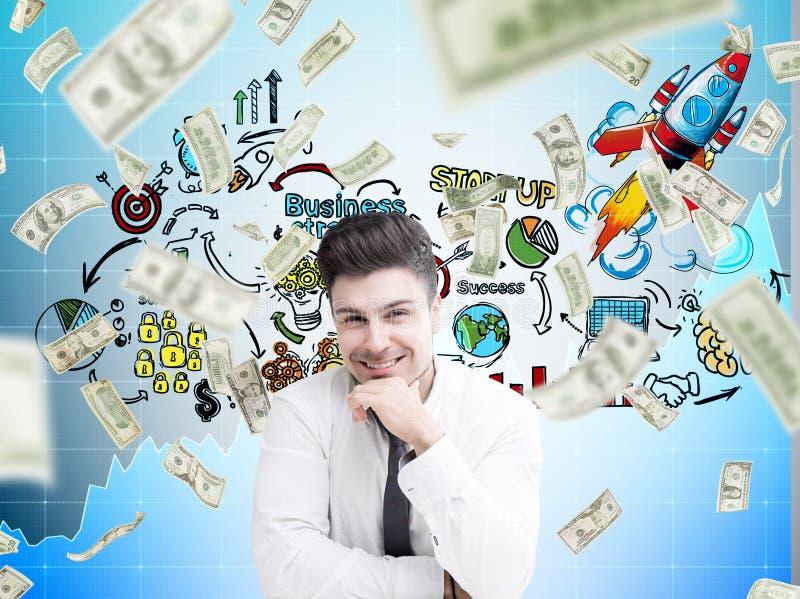 El hombre de negocios, la lluvia sonrientes del dólar y empiezan para arriba imagen de archivo