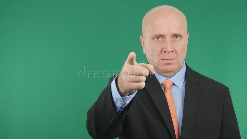 El hombre de negocios Make Confiding Hand gesticula señalar con el finger foto de archivo libre de regalías
