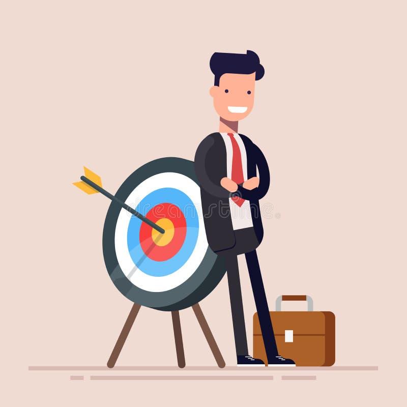 El hombre de negocios o el encargado feliz se está colocando cerca de la blanco La flecha golpeó la blanco exactamente Ejemplo pl libre illustration